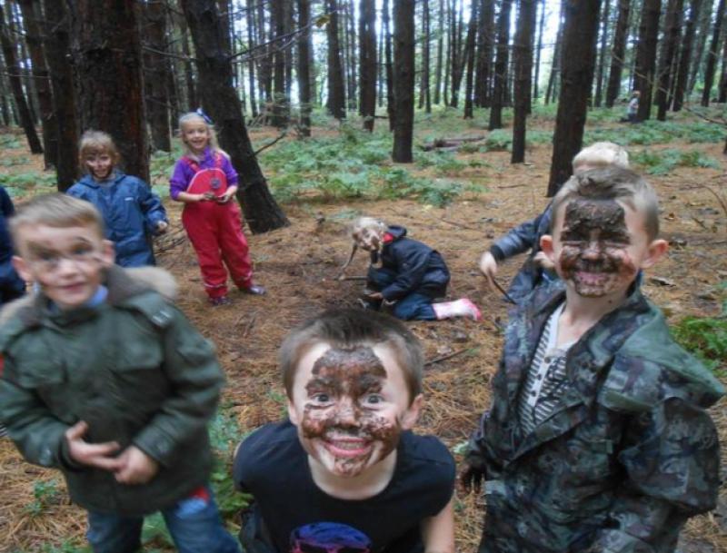 Chelmondiston forest school